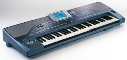 Korg PA800 klavijatura